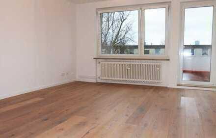 Provisionsfrei! Umfassend renovierte Drei-Zimmer-Wohnung in gepflegter Wohnanlage
