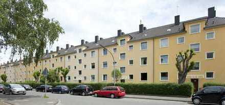 Niehl - Sanierte 2 Zimmer Wohnung mit Tageslicht-Bad, Wohnküche und Balkon, ab 01.12.2018!