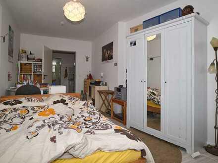 1-Zimmer -Appartement direkt gegenüber dem KIT mit Balkon und Aufzug