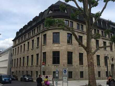 Wunderschöne Penthouse Wohnung mit Balkon in zentraler Lage in Stuttgart Mitte