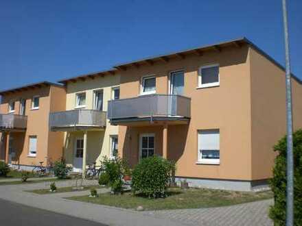 +++Tolles Reihenhaus+Modernes Bad m. Wanne u. Dusche + Gr. Küche+Kleiner Garten!!!+++