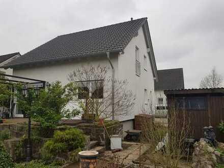 Einfamilienhaus auf schönem Grundstück.......
