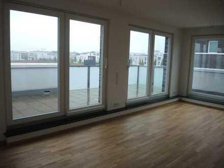 Moderne Penthouse-Maisonette mit großer Dachterrasse und Skylineblick