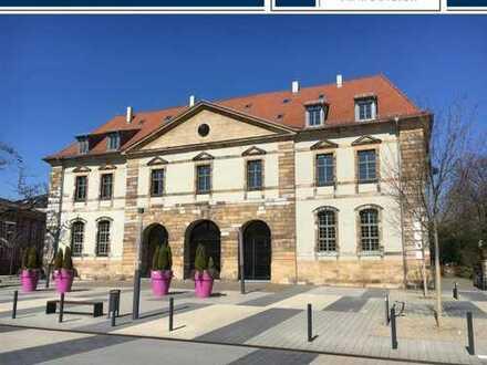 Repräsentative, großzügige Bürofläche im Herzen von Landau mit 4 Stellplätzen