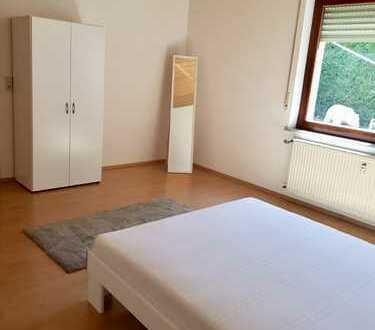 Wunderschöne Vollmöblierte 2 Zimmer Wohnung mit Terrasse
