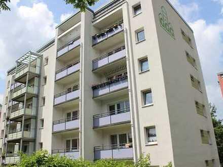 Helle 1-Raum-Wohnung mit Balkon und Dusche