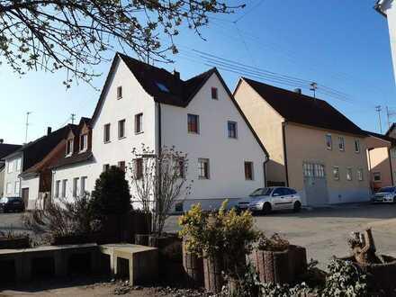 Schön gelegene 2-Zimmer-Wohnung mit Innenhof