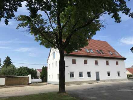 Erstbezug nach Sanierung mit Terrasse: ansprechende 4-Zimmer-Erdgeschosswohnung in Prittriching