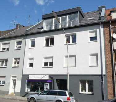 Kernsanierte 2 Zimmer Wohnung mit großer Terrasse