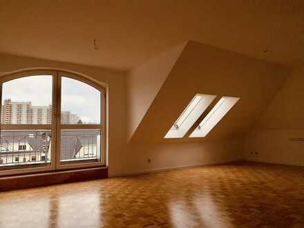 Sonniges Dachgeschoss in ruhiger Wohnlage ideal für 2 Personen