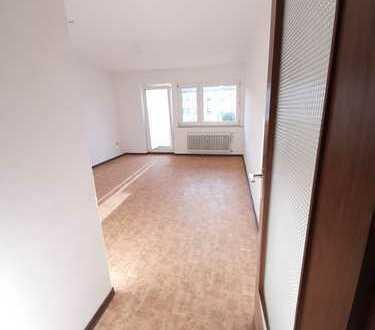 Wohnung mit Balkon und Dusche! Einziehen und wohlfühlen! Mit Wohnberechtigungsschein!