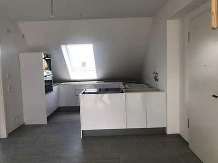 NEUBAU*Zentrumsnah 3 ZW Dachgeschoss mit herrlicher Loggia + EBK