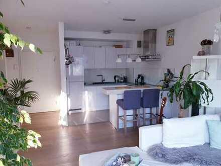 Neuwertige 2-Raum-Wohnung mit Balkon und EBK in Wiesbaden-Karl-Arnold-Straße