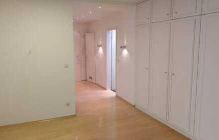 Schöne, geräumige zwei Zimmer Wohnung in München, Harlaching