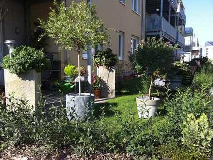 Ihre grüne Oase in der Stadt - 3-Zimmer-Wohnung mit großem Mietergarten für Genießer