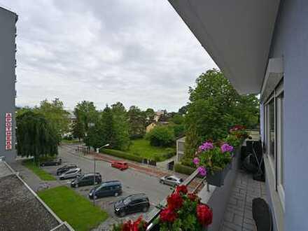 Modernisierte 4-Raum-Wohnung mit Balkon in Rosenheim ( Nähe Bahnhof )
