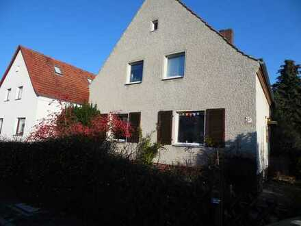 Schöne Wohnlage, Einfamilienhaus in Lichterfelde !!!