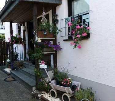 Gepflegte 3-Zimmer-Maisonette Wohnung mit Balkon in Köln-Dünnwald