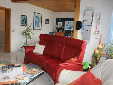 Gepflegte 5-Zimmer-Maisonette-Wohnung mit Balkon in Kamen