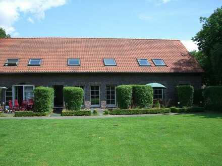 2-Zimmer Wohnung mit Galerie und Garten