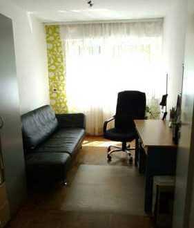 Kleines sonniges Zimmer 10 qm in 2er WG mit Garten