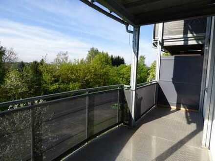TOP-LAGE Gepflegte 3-Zimmer-Wohnung mit Süd-Balkon in Rabenstein