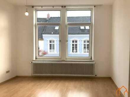 Helle Obergeschosswohnung mit Einbauküche in Leeraner Innenstadt!