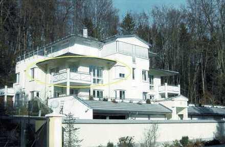 """Villa Possenhofen"": See- u. Alpenblicke - exklusive Whg., hell, sonn. Balkon, im zauberh. Seeort"