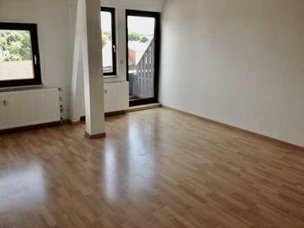 Helle 3-Zimmer-Dachgeschosswohnung mit Aussicht, Balkon und EBK in Fürstenwalde/Spree