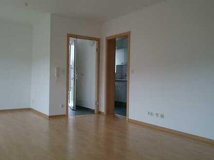 Gepflegte 2-Zimmer-Wohnung mit Terrasse und EBK in Berglen