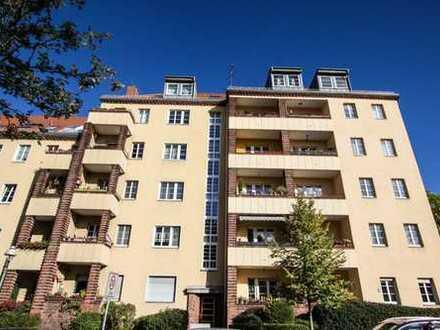 3-Zimmer-Wohnung mit Balkon und Anbingung zur S 41, 42 und U7