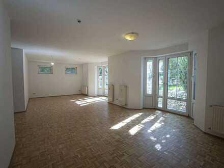 geräumige 5- Zimmer-Wohnung mit großer Terrasse