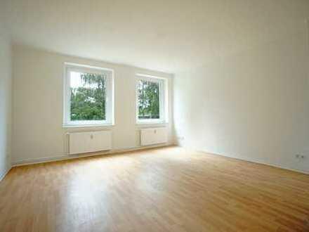 ++ GERADE vollständig renoviert ++ Küche & Bad mit Fenster ++
