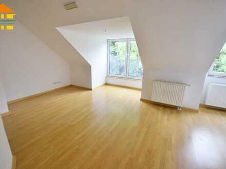 Dachgeschoss-Liebhaber aufgepasst-TOP-Wohnung mit Aufzug in Burkhardtsdorf