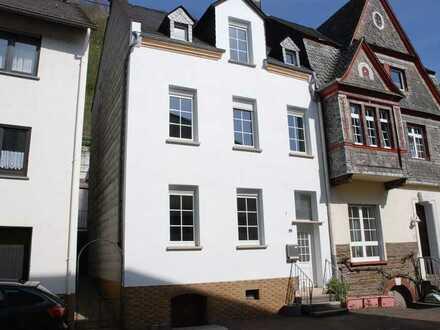 Gemütliches Einfamilienhaus, komplett renoviert im Herzen von Alf