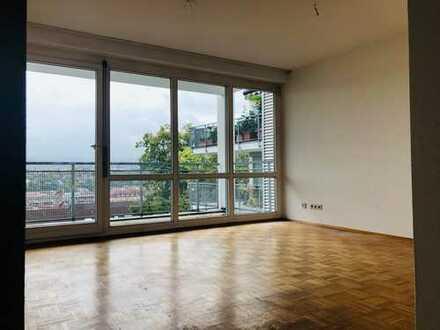 Auf der Sonnenseite Pforzheim's: lichtdurchflutete 4-Zimmer-Wohnung mit Blick über die ganze Stadt