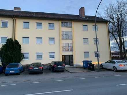 Gepflegte Wohnung mit drei Zimmern und Balkon in Landshut