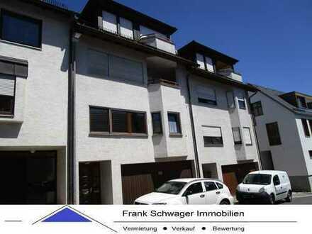Großzügiges Reihenmittelhaus mit Einbauküche, Doppelgarage, Parkettböden + 2 Bäder