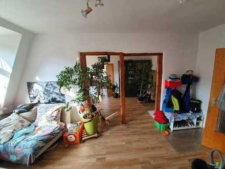 Modernisierte 5-Zimmer-Maisonette-Wohnung mit EBK in Nürnberg