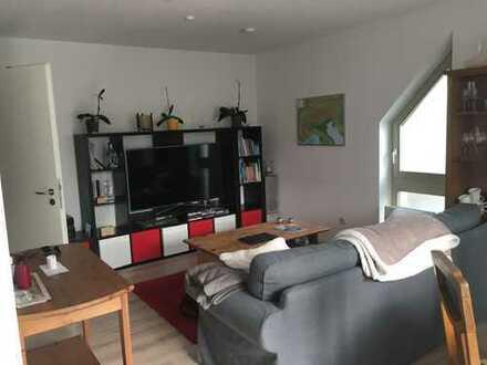 Moderne drei Zimmer Maisionette-Wohnung in Saal an der Donau