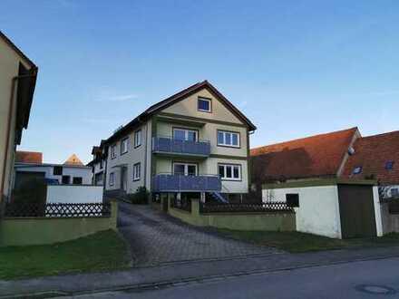 Gepflegtes Mehrfamilienhaus mit neun Zimmern in Dittenheim, Dittenheim