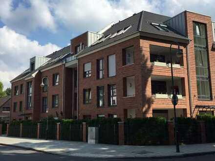 Barrierefreie, ruhige, neuwertige, 4-Zimmer-Wohnung mit Balkon und Küche