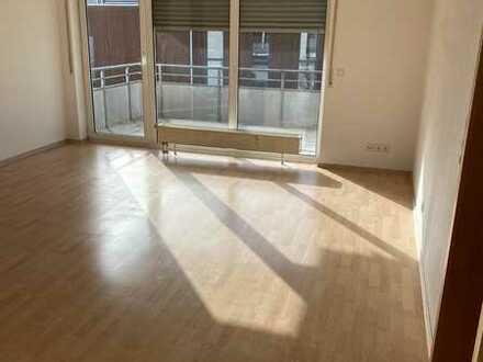 3-Zimmer mit Balkon, Duplexparker, sofort beziehbar