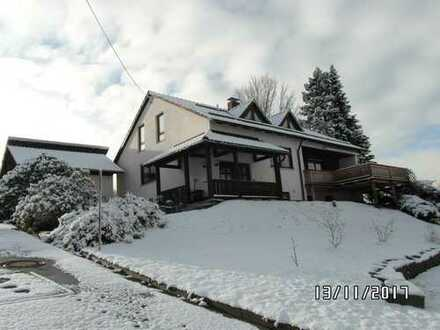 Großzügiges Haus in ländlicher Lage in Oberlangau
