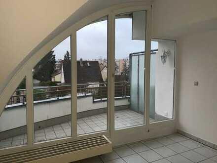 Helle 3 Zimmer Maisonette Wohnung im 2./3. OG in gepflegter Wohnanlage mit großem Balkon