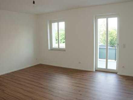 !! LETZTE 3-Raum-Wohnung, ERSTBEZUG nach Sanierung, Fußbodenheiz., großer Balkon und PKW-Stellplatz
