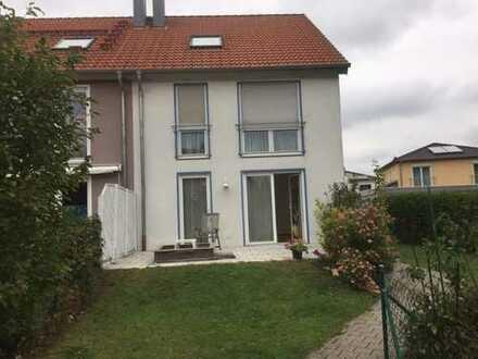 Eschenau! Schicke, sonnige Doppelhaushälfte, in gewachsener Umgebung, sucht neue Bewohner!