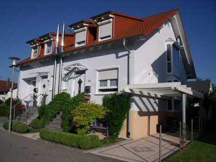 Attraktive Doppelhaushälfte in herrlich ruhiger Lage in Neureut. Preis auf Anfrage