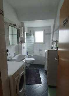 *** Gemütliche Dachgeschosswohnung in Essen-Kupferdreh ***