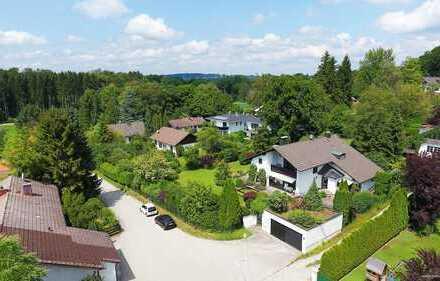 Berg-Allmannshausen! Villa in Toplage mit uneinsehbarem traumhaften Garten,ca. 500 Meter zum See!